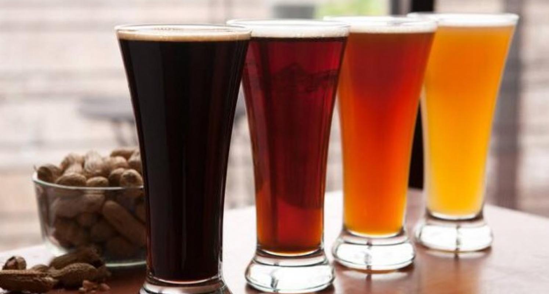 Beer flights at Marco Island Brewery
