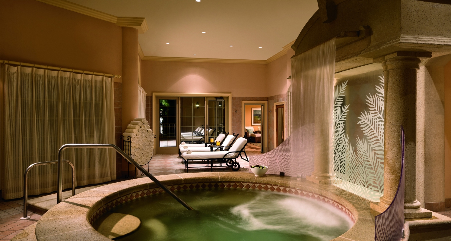 Take a dip into the cold whirlpool and warm whirlpool to relax stiff muscles and prepare the body for treatment.