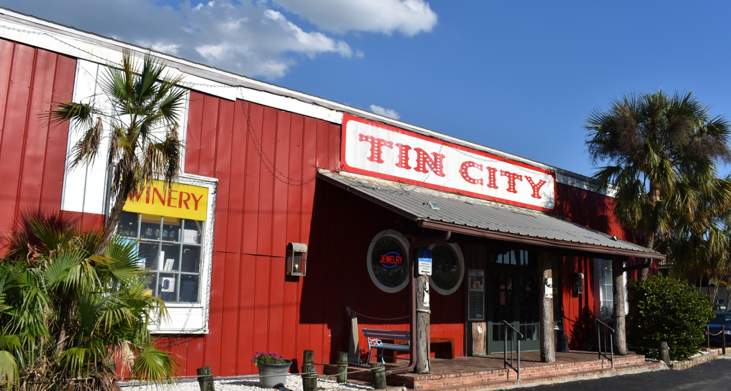 At Tin City Waterfront Shop you can spend the whole day exploring all that the area has to offer and enjoying the waterfront.
