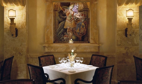 Sale e Pepe, features refined, from-scratch Southern Italian fare and a notable wine list.