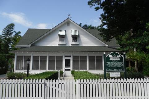 Historic Palm Cottage