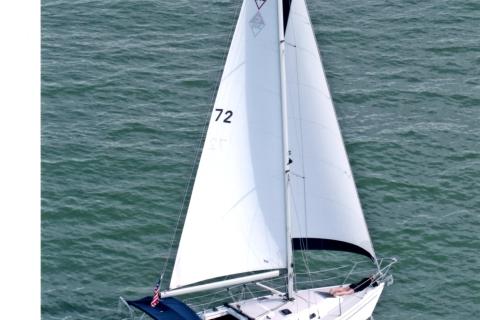 Island Dreams cruises the Gulf.