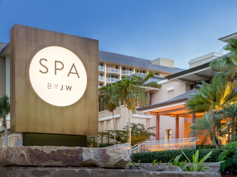 Relax in Paradise at Naples Spas and Luxury Resorts