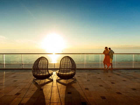 5 Reasons Why Florida's Paradise Coast is the Place for Romance
