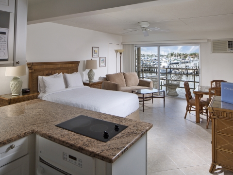 Cove Inn on Naples Bay Guestroom
