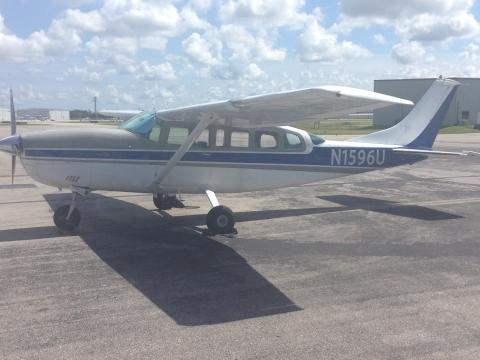 Cessna 207 Six passengers