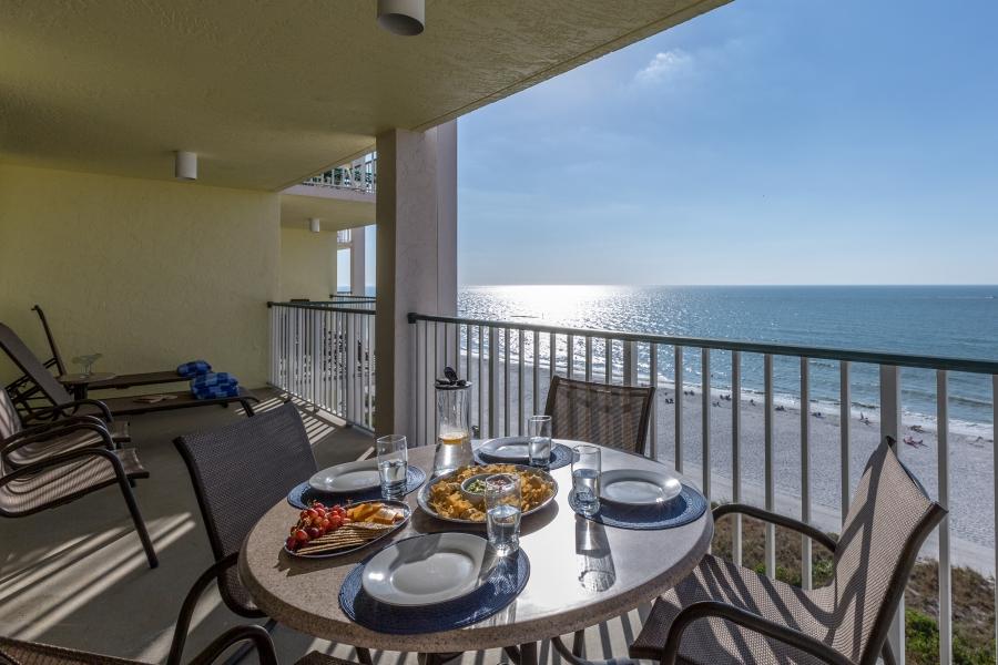 Dining beachfront