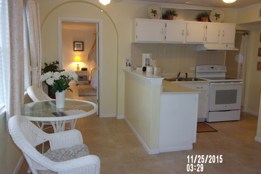 Lakeview 1 and 2 Bedroom full kitchens