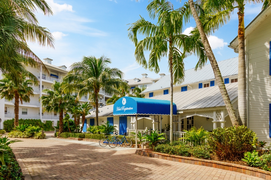 Entrance to Reception at Olde Marco Island Inn & Suites