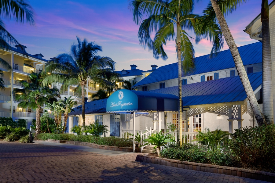 Olde Marco Island Inn & Suites Reception at Dusk