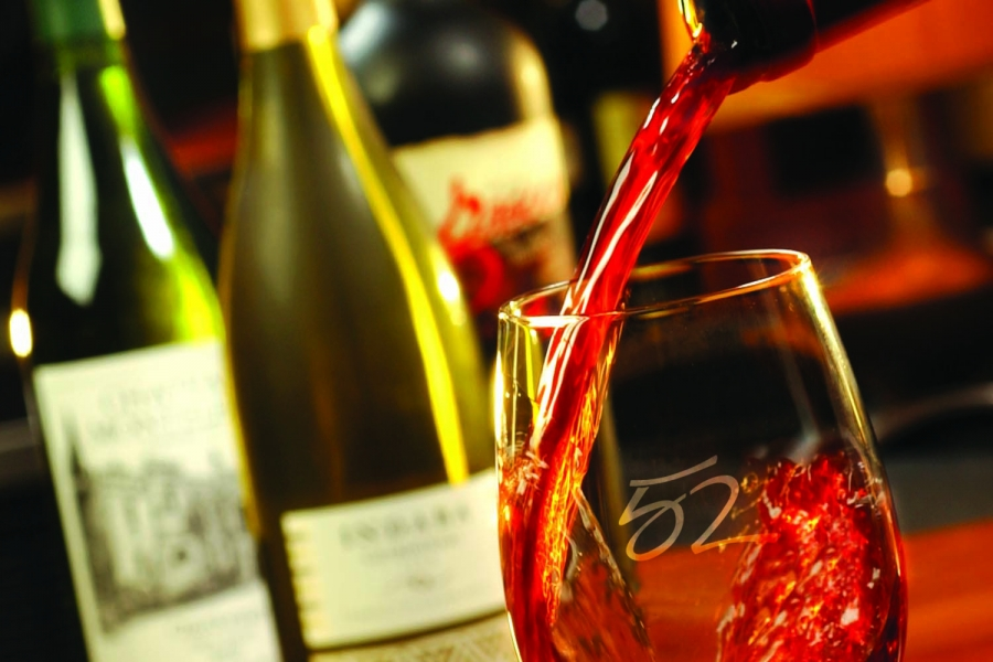 Seasons 52 features an award-winning international wine list.
