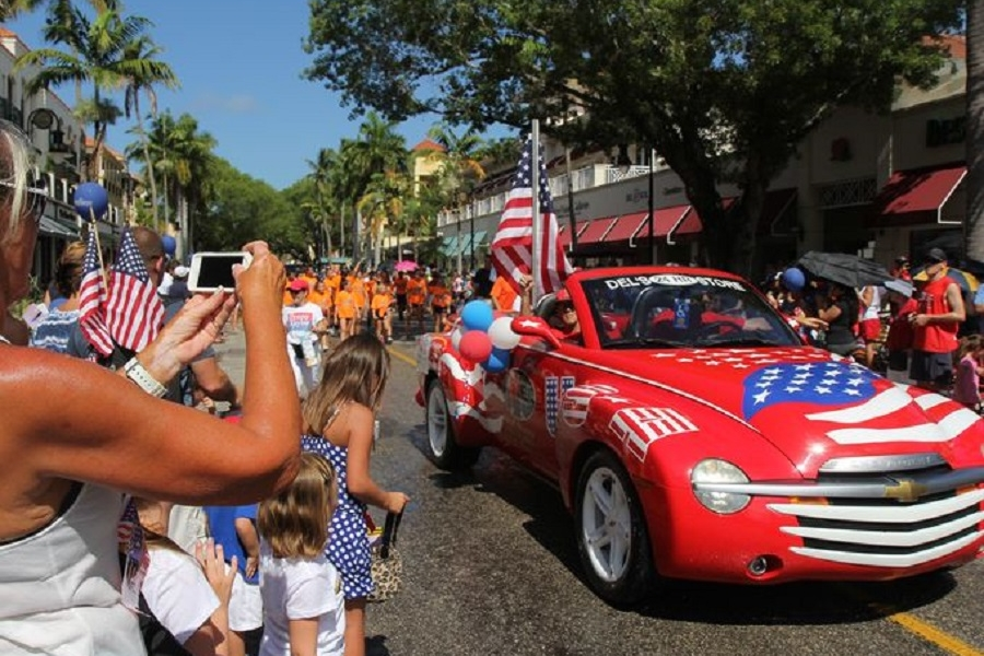 Naples-4th-of-july-parade.jpg