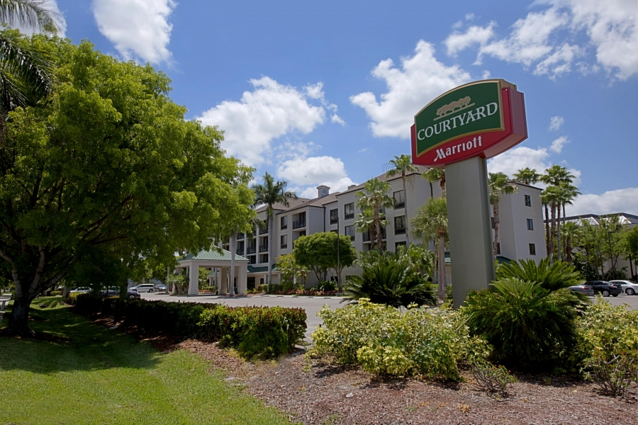 Courtyard by Marriott Naples