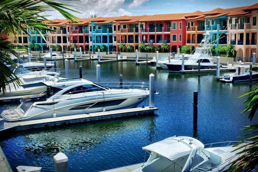 Marina at Naples Bay Resort