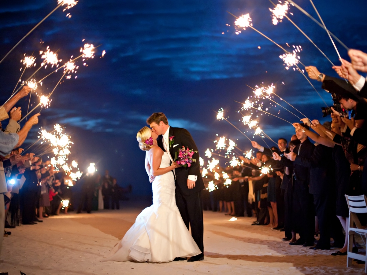 Our picturesque Marco Island, Florida beach wedding location boasts a chic and unique outdoor venue.