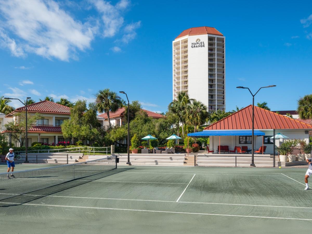Tennis (15 Har-Tru Clay Courts)