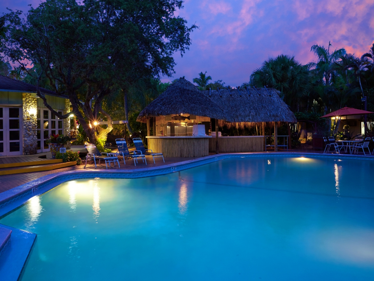 Outdoor Pool and Tiki Bar - Evening
