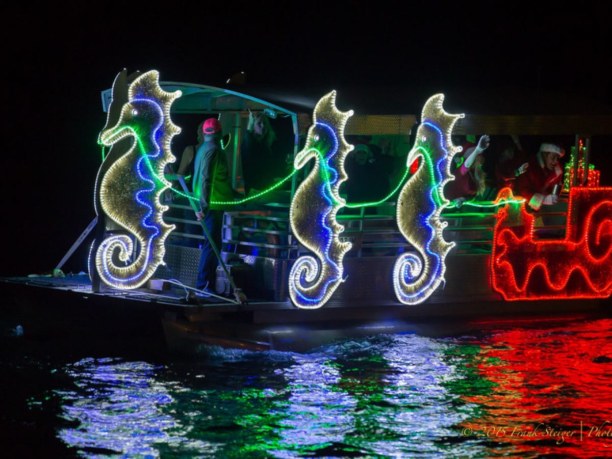 Christmas Boat Parade.Marco Island Christmas Island Style Boat Parade Naples