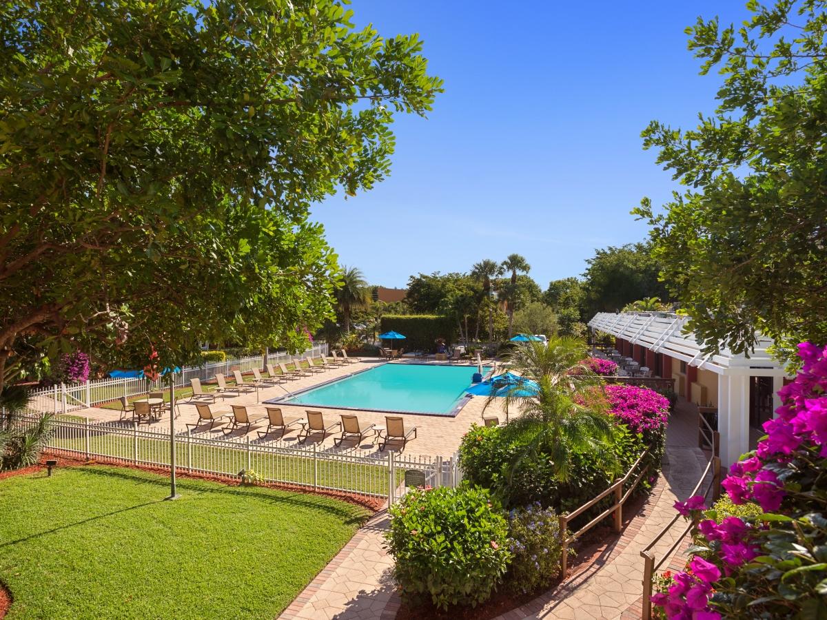 Tropical Courtyard / Pool View