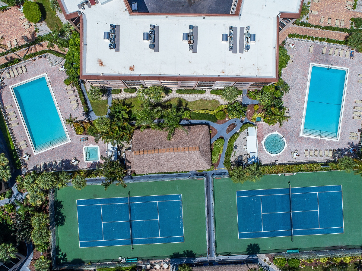 Pools, Spas, Tennis - on the waterfront