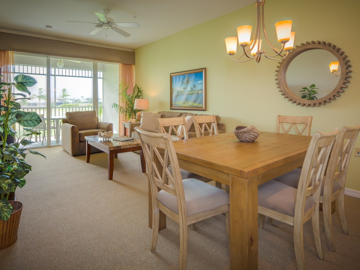 GreenLinks spacious dining and living area.