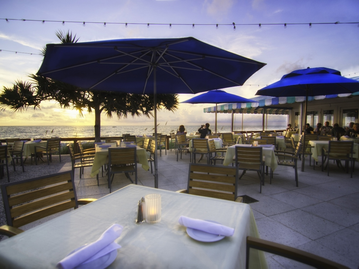 HB's on the Gulf provides spectacular views of the Gulf and beautiful Southwest Florida sunsets