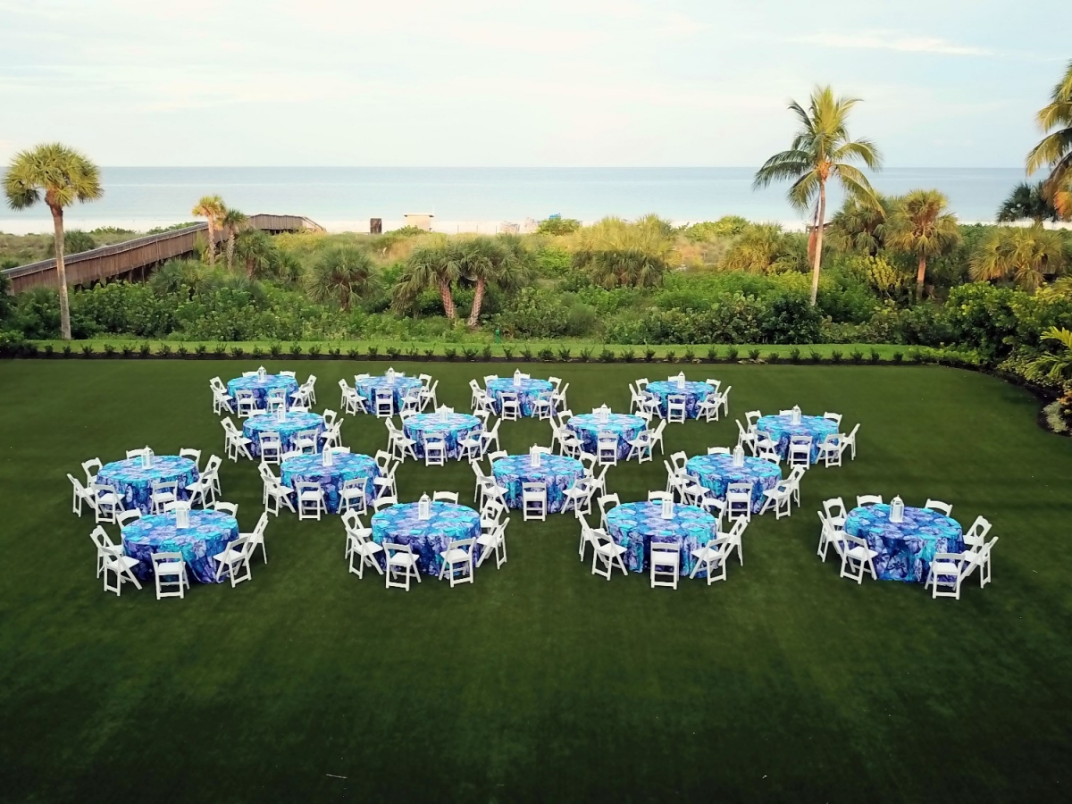 Beach view dining on the Great Lawn at Hilton Marco Island